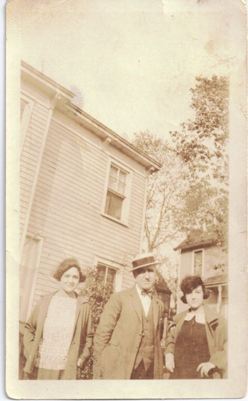 Alfredo and Daughters